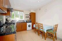 Flat to rent in Nutwell Street, Tooting...