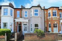 4 bed Terraced property in Mandrake Road, London