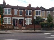 Flat to rent in Mellison road, Tooting