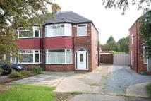 3 bedroom semi detached house in Cottingham Road, Hull