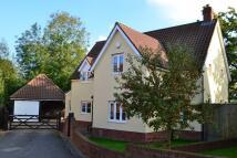 4 bed Detached property in Larkins Close, Bunwell...