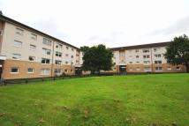 Flat to rent in McAslin Court...