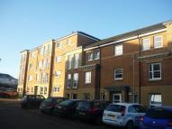 Flat to rent in St Helens Gardens...