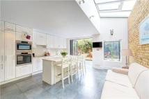 4 bedroom Terraced house to rent in Parma Crescent...