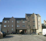 3 bedroom Flat to rent in 27 Branning Court...