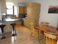 104d Campbell Street Flat to rent