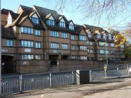Flat to rent in Manor Court Lodge...
