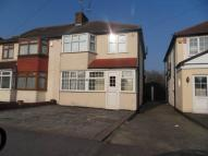 3 bed property to rent in The Glade, Clayhall,
