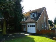 4 bed semi detached home in London Road...