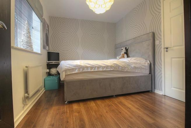 Bed 1 3.jpg