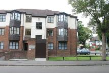 1 bed Flat to rent in Kingsmount Court, Sutton