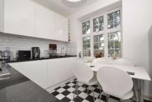 Apartment in Cranleigh Street...