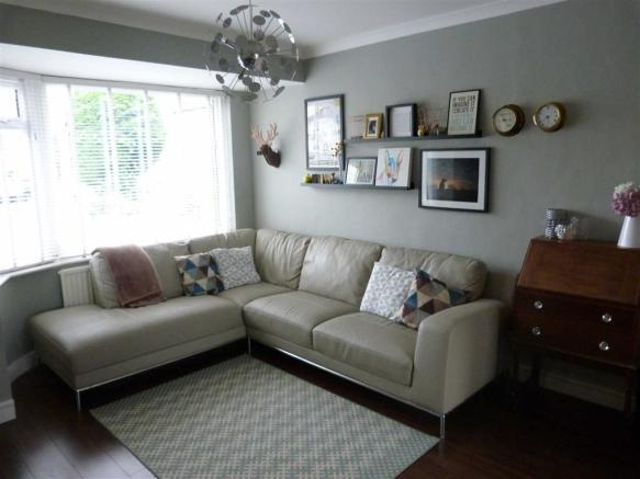 Additional lounge ph