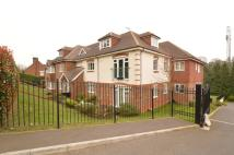 Flat to rent in Chesham Heights St...
