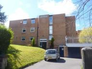 Apartment in Lingdale Court...