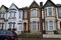 Flat in Calderon Road...