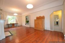 2 bed Flat to rent in Richmond Road, Hackney
