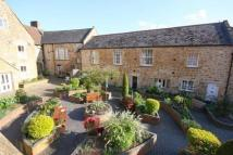 2 bedroom Terraced house for sale in 8 Victoria Court...