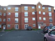 2 bed property in Garden Court...