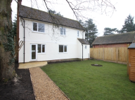 3 bedroom Detached home to rent in High Street, Seal...