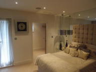 2 bedroom Apartment in Mount Harry Road...