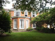 Flat for sale in Worships Hill, Riverhead...