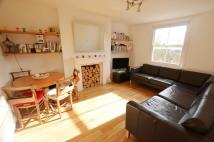 Apartment in Iverson Road...
