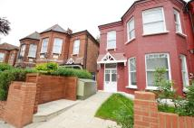 Apartment in Fordwych Road...