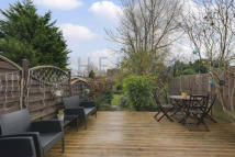 3 bedroom Apartment in The Avenue, Brondesbury...