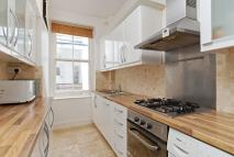 2 bedroom Flat to rent in Mapesbury Court...