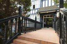 3 bedroom Ground Flat for sale in Wendover Court...