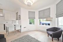 3 bed Apartment in Shoot Up Hill...