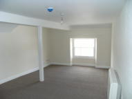 Flat to rent in John Street...