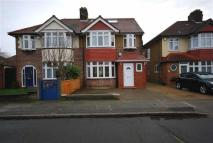 4 bed semi detached house in Millwood Road, Hounslow