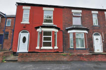 3 bedroom End of Terrace property to rent in Reddish Lane, Gorton...