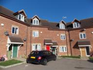 Maisonette to rent in Kirkwood Grove...