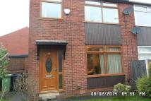 3 bedroom semi detached home to rent in Oldham Road, Royton...