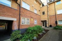 Flat to rent in Melling Drive, Enfield...