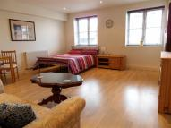 Close Studio flat to rent
