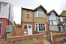 3 bed semi detached house in Close to Town Centre