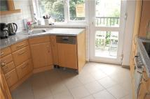 2 bed Flat to rent in Lansdowne Court...