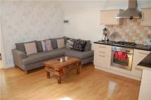 Flat to rent in Russell Hill, PURLEY...