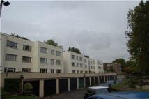 2 bedroom Flat in Lansdowne Court, Purley...