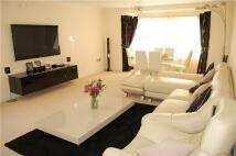 3 bedroom Flat to rent in Broadoak Court...