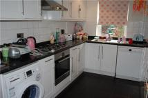 2 bed Flat in Purley Park Road, PURLEY...