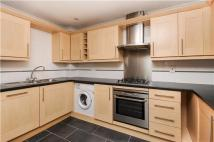 Flat to rent in St.Lukes Road...