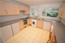 Flat to rent in Oaklands, KENLEY, Surrey...