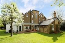 6 bed Detached home for sale in Sheridan Road...