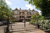 3 bed Flat for sale in Wimbledon Hill Road...