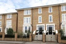 5 bedroom semi detached house in Convent Mews...